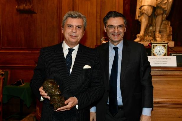 Maurizio Serra, lauréat 2018 du Prix Chateaubriand et Patrick Devedjian, Président du département des Hauts-de-Seine. ©CD92/Olivier Ravoire