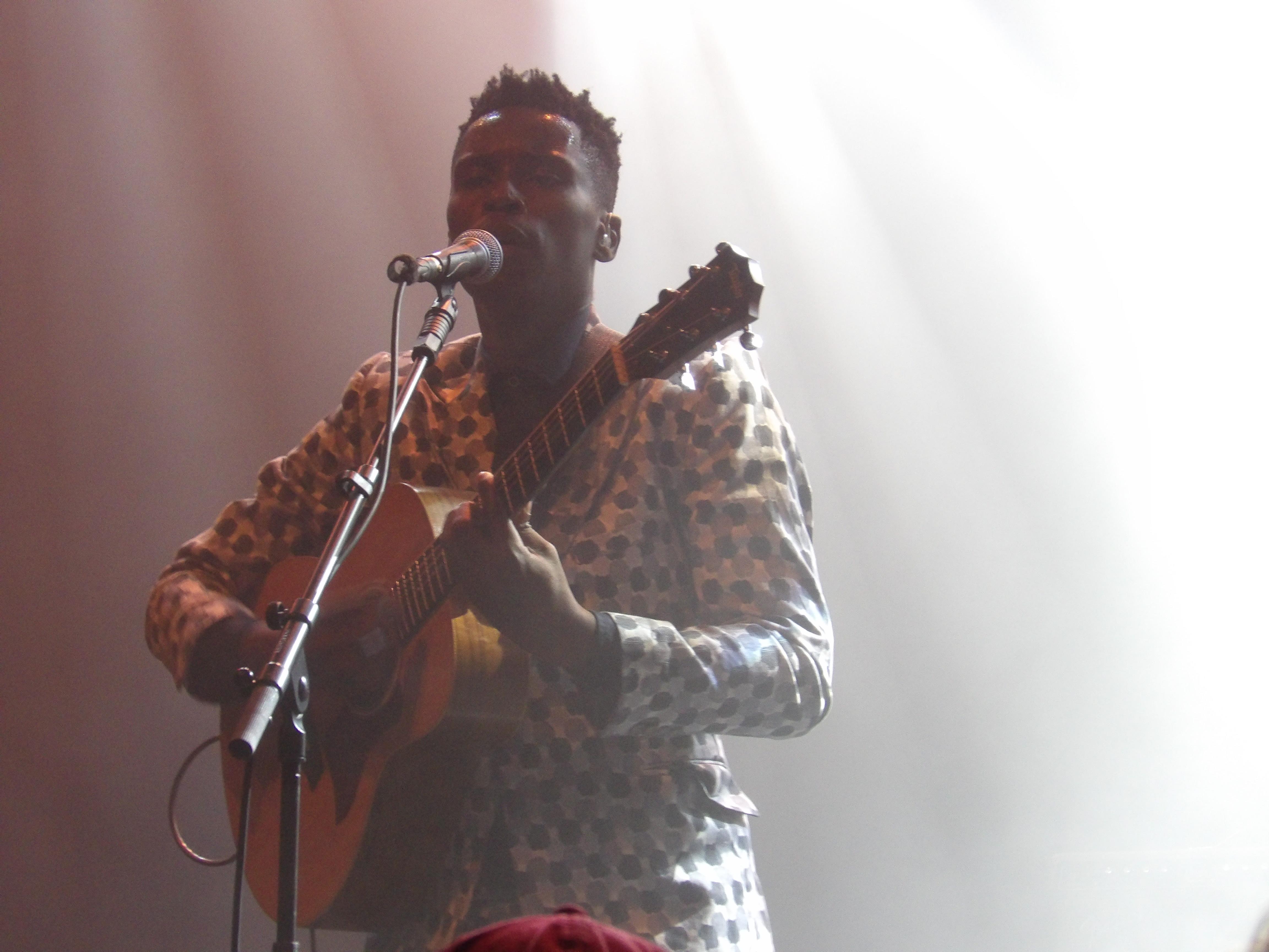 Bongeziwe sur la scène du club Tutti de la Seine musicale, samedi 6 avril 2019, dans le cadre du festival Chorus.