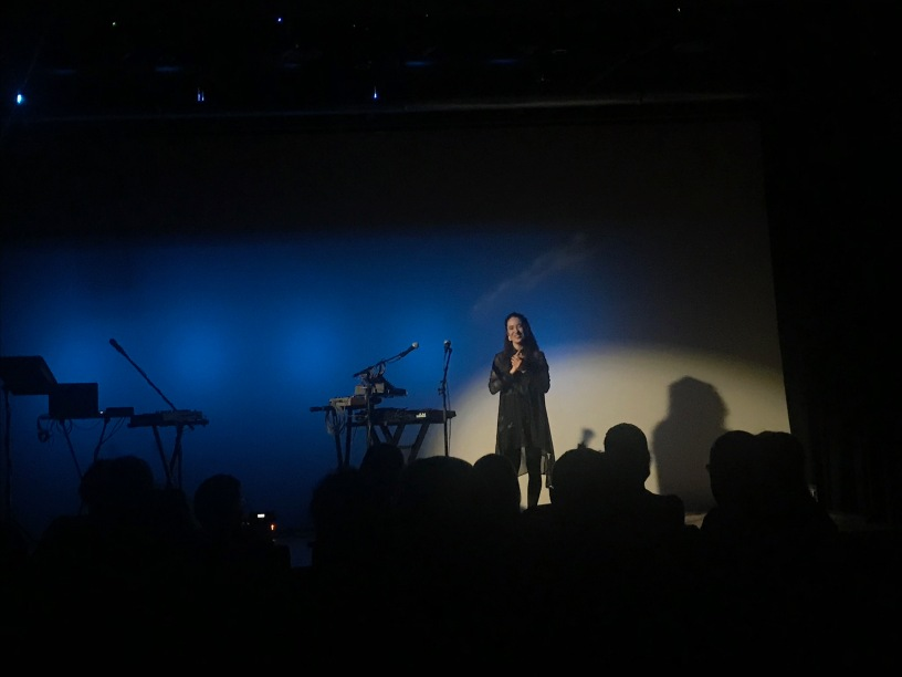 Rayannah à la fin de sa prestation au Centre Culturel Canadien à paris le 28 Mars 2019.