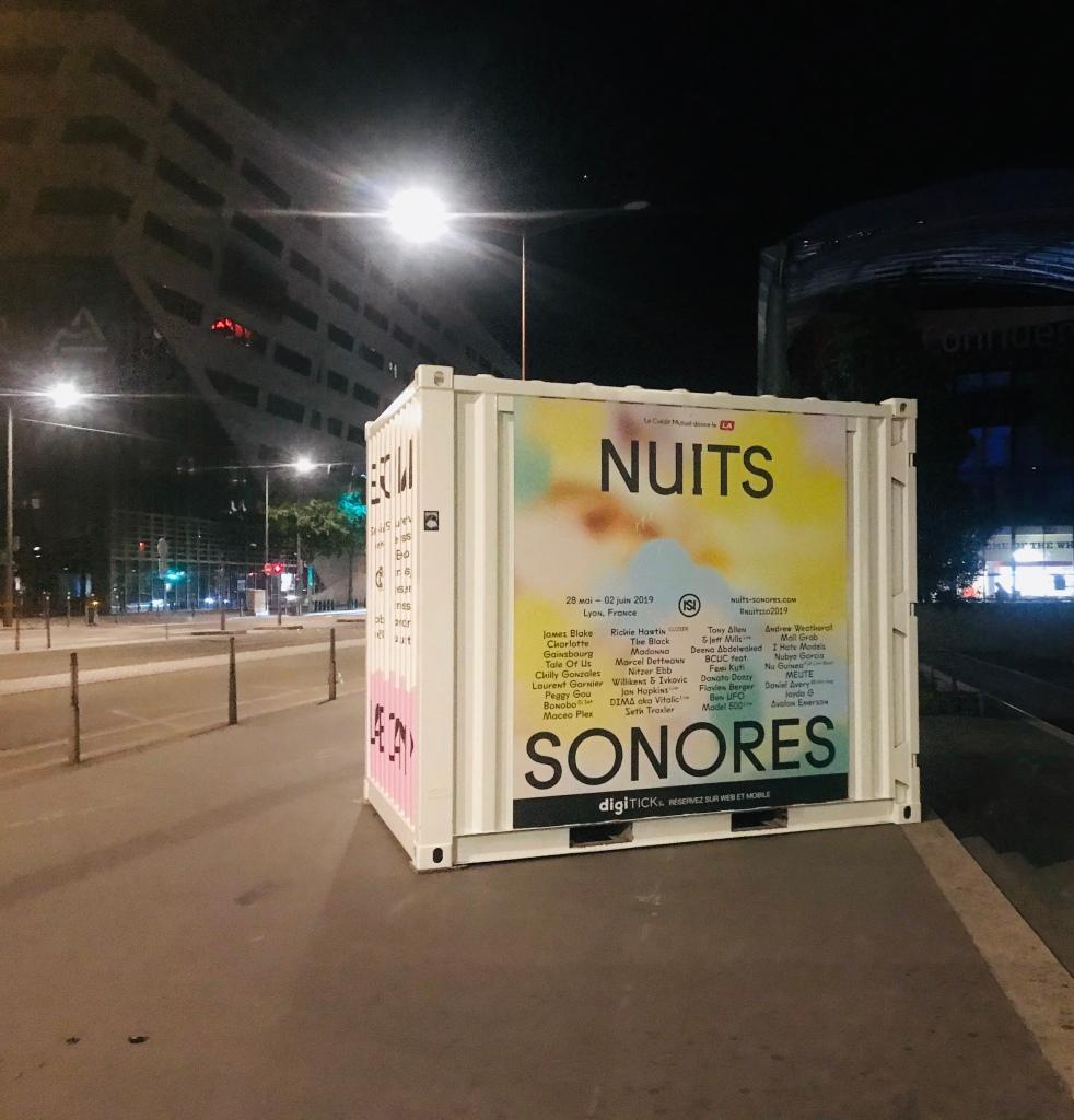 Affiches du festival Nuits Sonores dans les rues de Lyon. Photo: @phenixwebtv