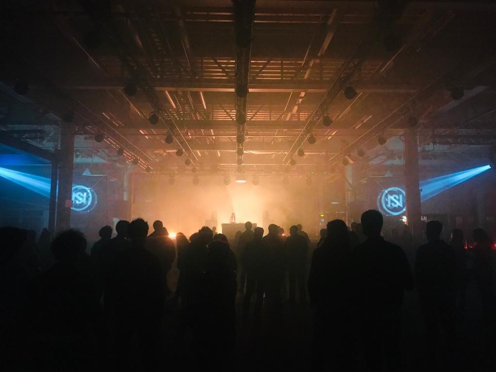 Sky H1 en ouverture à la Halle 2. Photo : @phenixwebtv