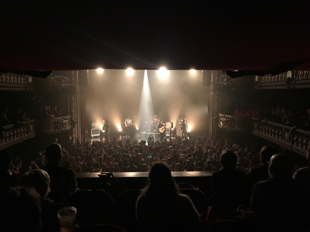 Stuck In The Sound sur la scène du Trianon à Paris, le 9 mai 2019.