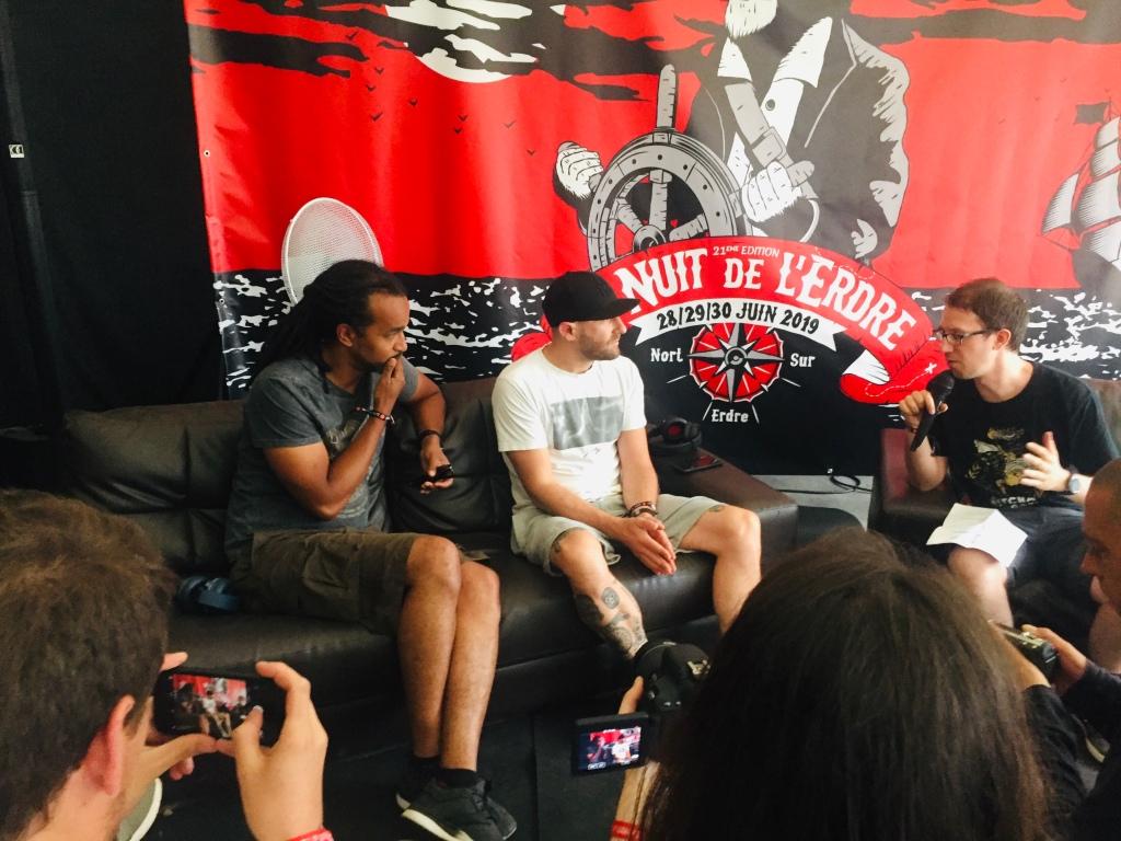 deux des membres du crew Dub Inc, en conférence de presse à la Nuit de l'Erdre 2019.
