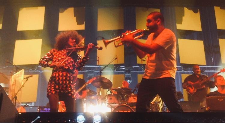 Ibrahim Maalouf et la Violoniste Yilian Canizares à l'Olympia, mercredi 25 septembre 2019. (c): phenixwebtv.com