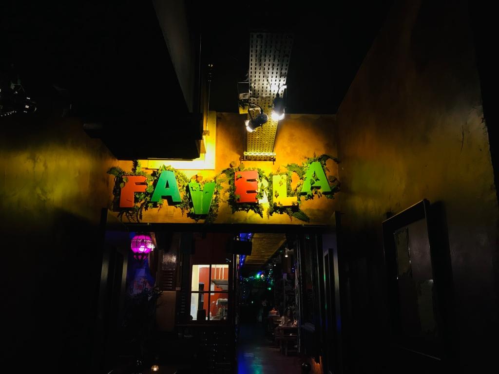 Favela Chic Paris (c): Phenixwebtv.com