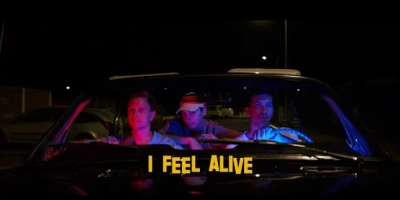Colours In The Street - I Feel Alive