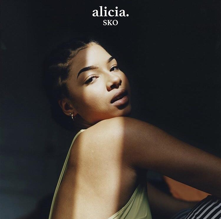 Alicia. - Sko