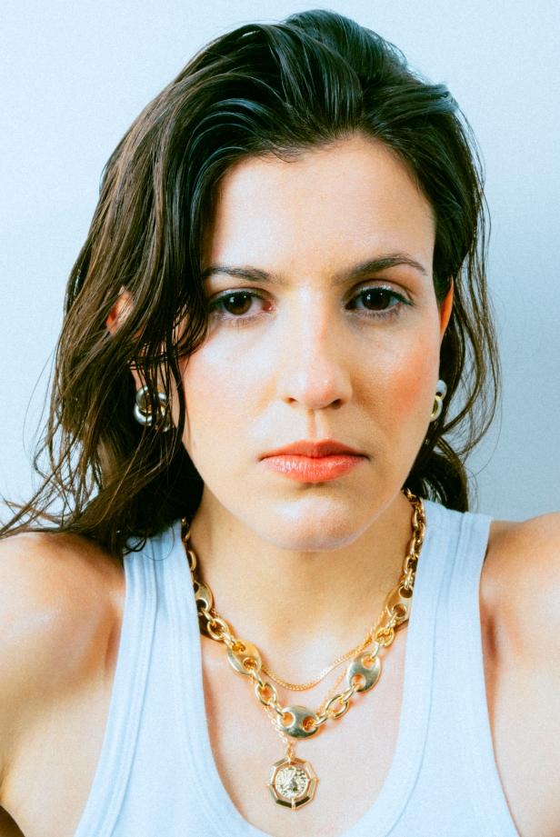 Laura Loveto (c): Maison Kristie