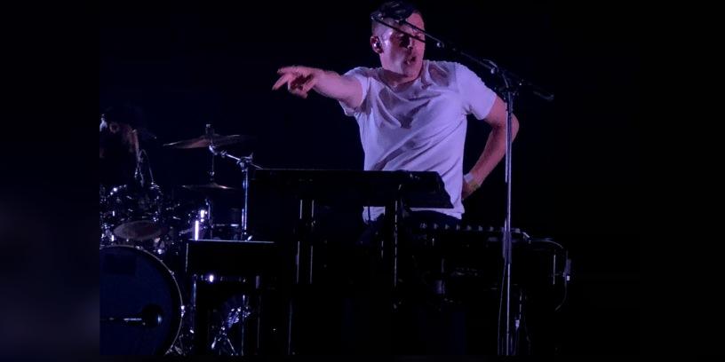 Hervé sur la scène de l'auditorium le 23 juin pour le Printemps de Bourges